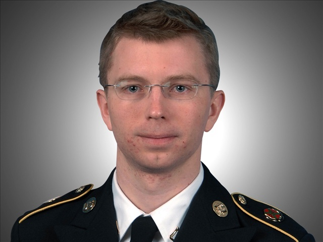BREAKING NEWS) Obama commutes sentence of traitor Bradley Manning ...