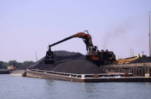 petcoke loaded onto barge in chicago